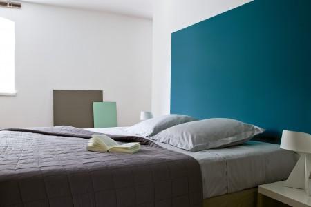 dormitorio cabecera color